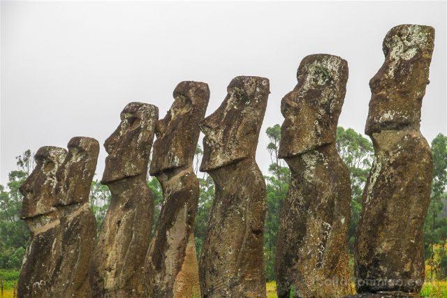 Chile Isla De Pascua Moai Ahu Akivi