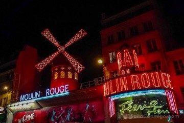 francia paris mouling rouge fachada noche