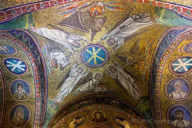 Italia Ravenna Mosaico Capilla Arzobispal Techo