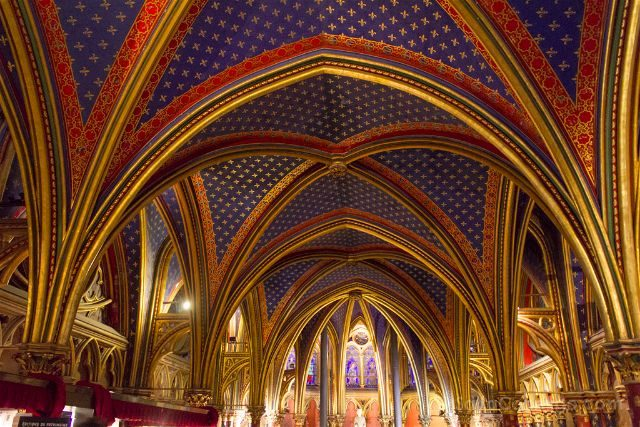 Francia Paris Monumentos Nacionales Sainte-Chapelle Capilla Inferior