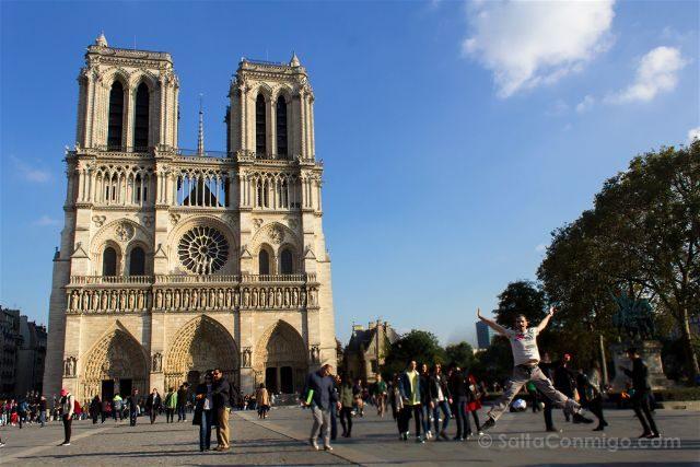 Francia Paris Monumentos Nacionales Notre-Dame Salto