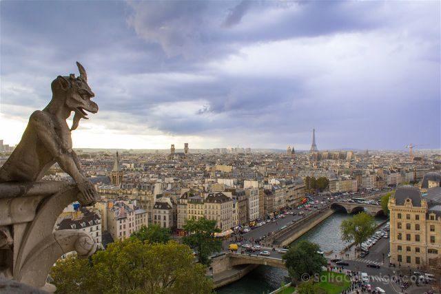 Francia Paris Monumentos Nacionales Torres Notre-Dame Gargola