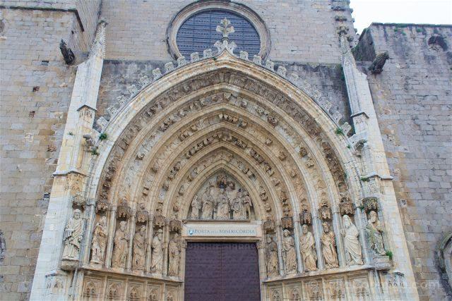 Girona Catedral Emporda Castello Empuries Portal Misericordia