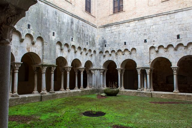 Girona Monasterio Sant Pere Galligants Claustro