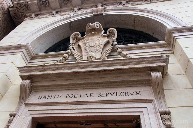 Italia Emilia Romagna Ravena Tumba Dante Fachada