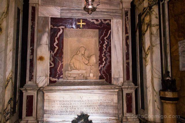 Italia Emilia Romagna Ravena Tumba Dante Interior