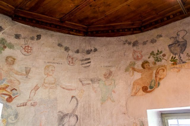 Italia Sudtirol Tirol Del Sur Bolzano Castel Mareccio Schloss Maretsch Frescos
