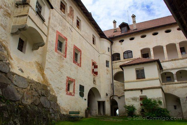 Italia Sudtirol Tirol Del Sur Bolzano Castel Rodengo Schloss Rodenegg Patio