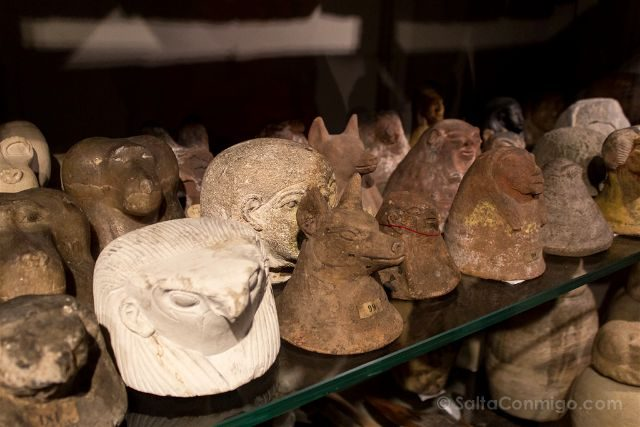 Italia Turin Museo Egipcio Vasos Canopos Tapas