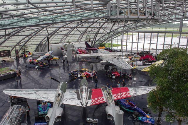 Austria Salzburgo Hangar-7 Red Bull Arriba