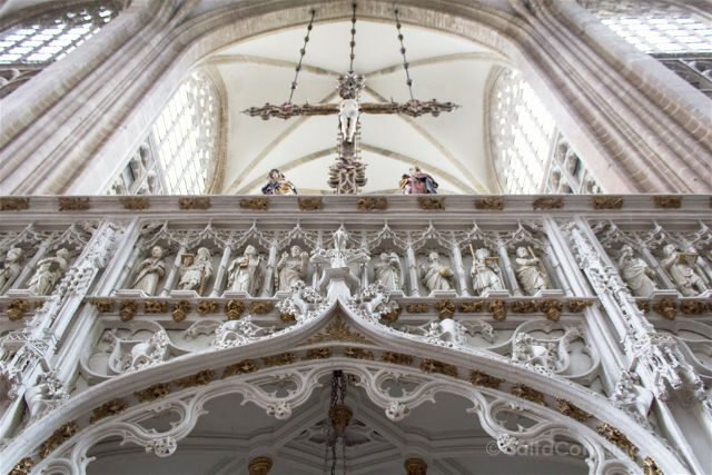 Flandes Lovaina Iglesia San Pedro Cristo