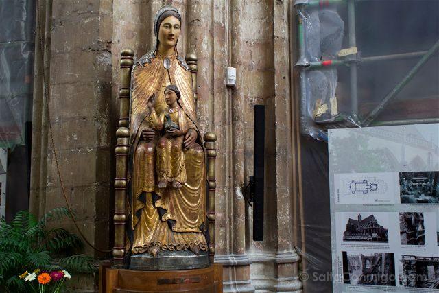 Flandes Lovaina Iglesia San Pedro Virgen Sedes Sapientia