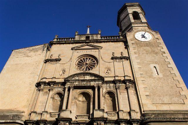 Girona Garrotxa Olot Iglesia Sant Esteve Fachada