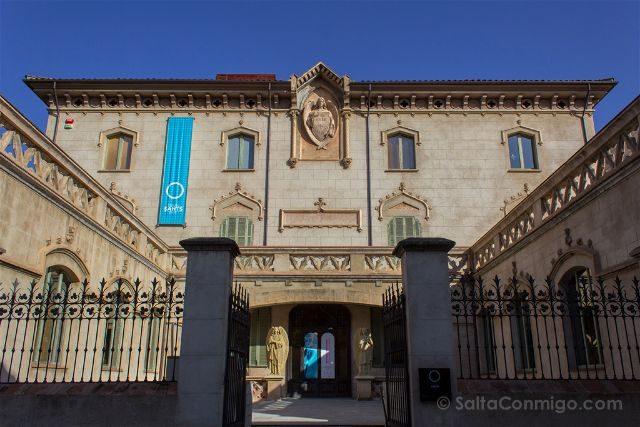 Girona Garrotxa Olot Museo Santos Fachada