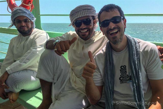Oman Masira Barco Amigos