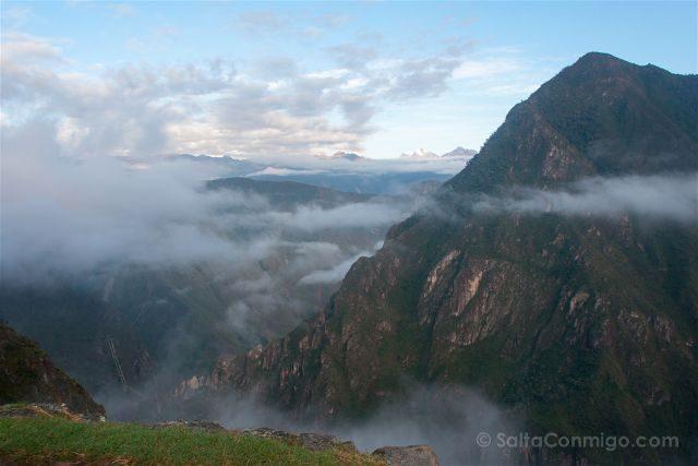 Peru Machu Picchu Niebla Valle Urubamba