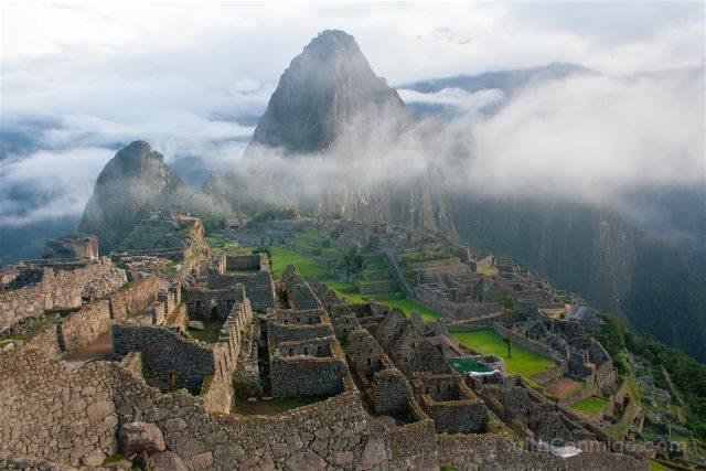 Peru Machu Picchu Niebla Vista Clasica