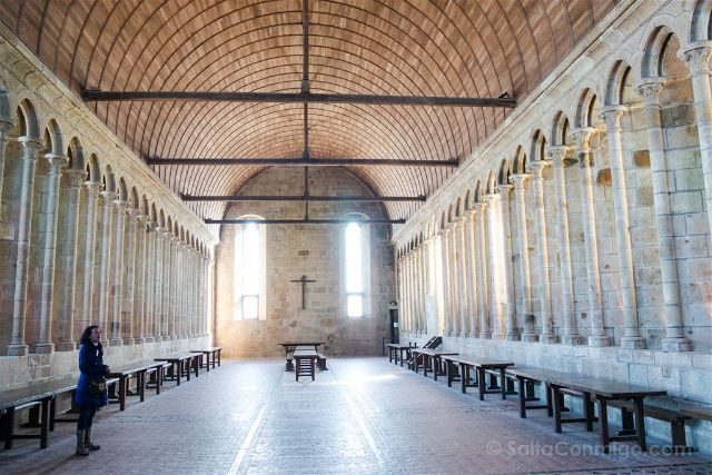 Francia Normandia Mont Saint-Michel Abadia Refectorio