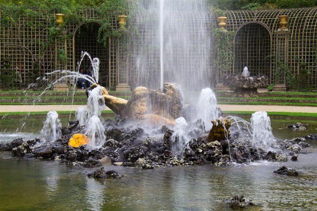 Francia Paris Jardines Fuentes Versalles Gruta Encelado