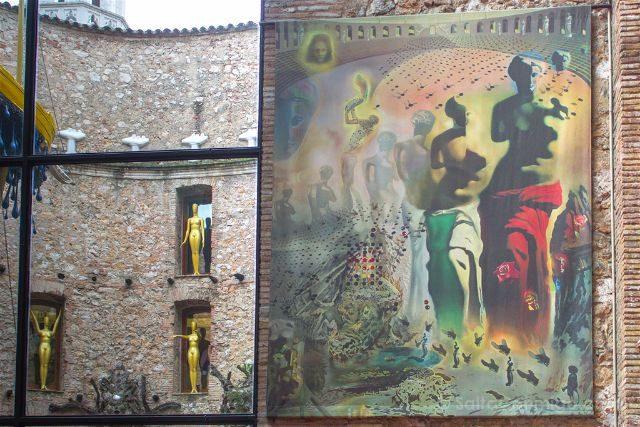 Girona Figueres Teatro-Museo Dali Torero Alucinogeno