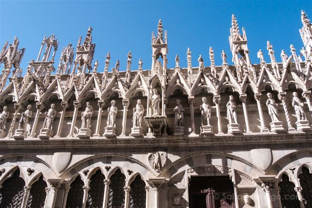 Italia Toscana Pisa Iglesia Santa Maria Spina Exterior Detalle