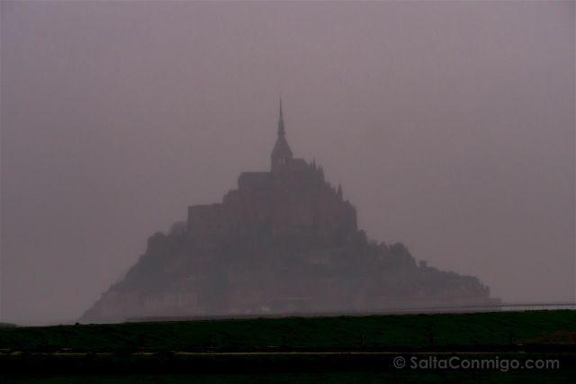 Francia Normandia Mont Saint-Michel Niebla