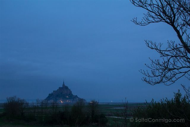 Francia Normandia Mont-Saint Michel Niebla