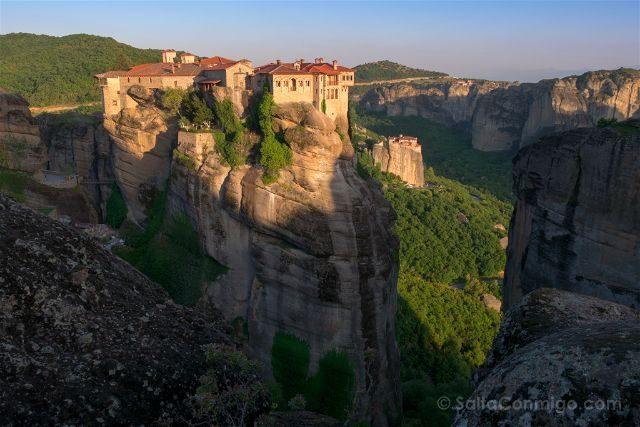 Grecia Meteora Monasterios Varlaan Roussanou