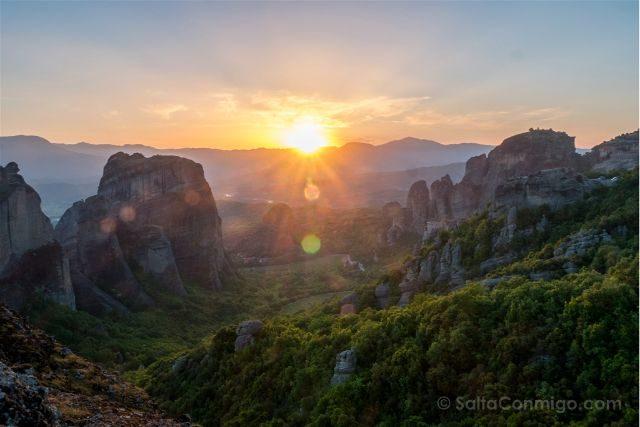 Grecia Meteora Puesta Sol