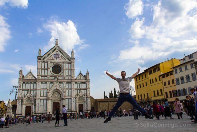 Italia Toscana Florencia Santa Croce Plaza Salto