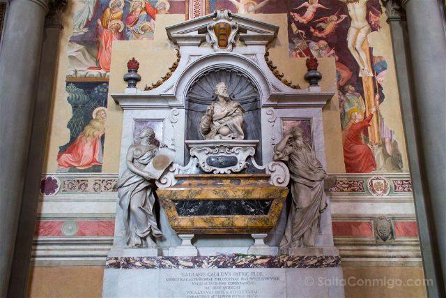 Italia Toscana Florencia Santa Croce Tumba Galileo