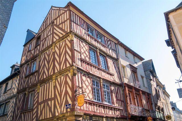 Francia Bretagne Rennes Casa Entramado Madera Esquina