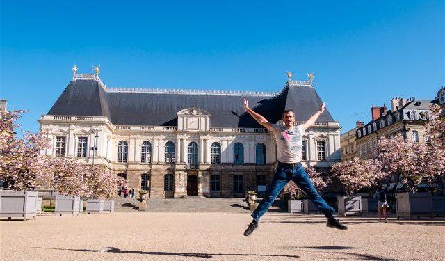 Francia Bretagne Rennes Parlamento Breton Salto