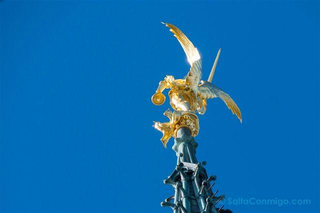 Francia Normandia Abadia Mont Saint-Michel Estatua Arcangel