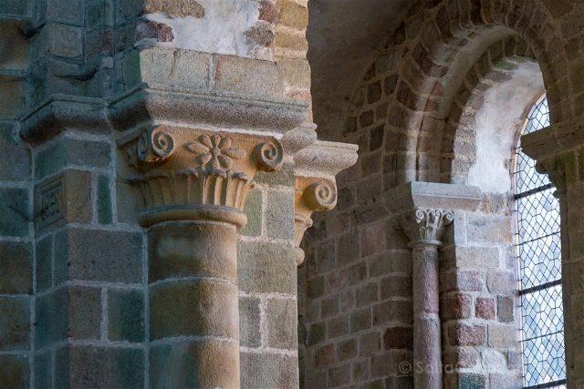 Francia Normandia Abadia Mont Saint-Michel Iglesia Capitel