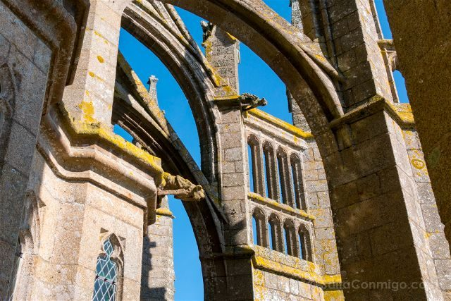 Francia Normandia Abadia Mont Saint-Michel Iglesia Contrafuertes