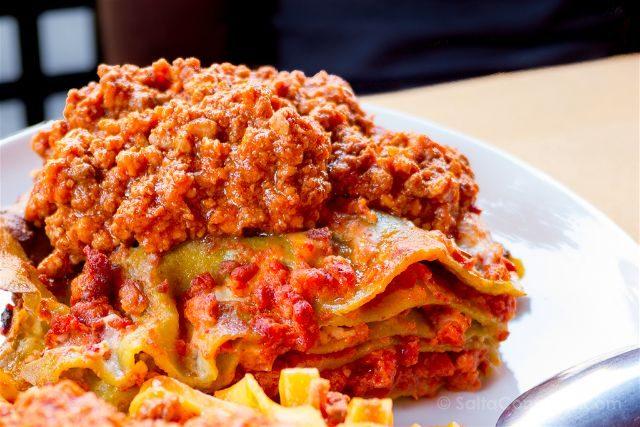 Comer en Bolonia Trattoria Tony Lasagna