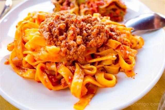Italia Emilia Romagna Bologna VizEat Food Tour Trattoria Tony Tagliatelle Ragu