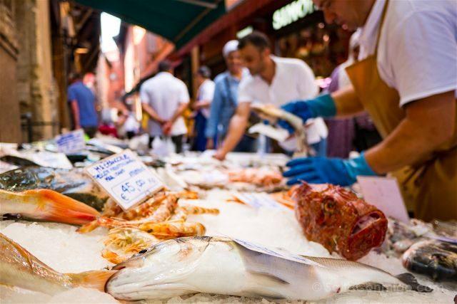 Italia Emilia Romagna Bologna VizEat Food Tour Via Pescherie Vecchia Pescaderia