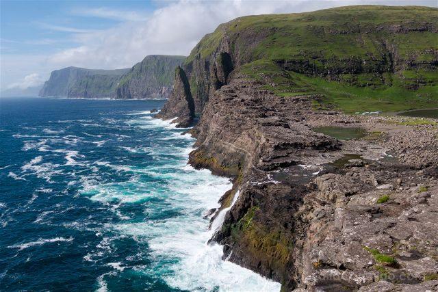Islas Feroe Sorvagsvatn Cascada