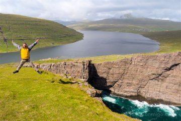 Islas Feroe Sorvagsvatn Lago Acantilado Salto