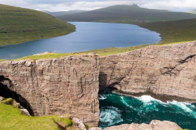 Islas Feroe Sorvagsvatn Lago Acantilado