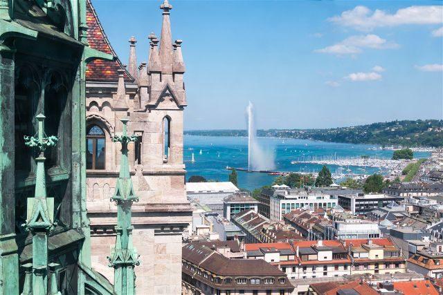 Suiza Ginebra Catedral Torre Jet Eau