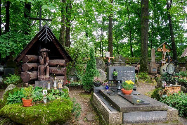Polonia Malopolska Zakopane Cementerio nacional Pęksowy Brzyzek Cristo Doliente