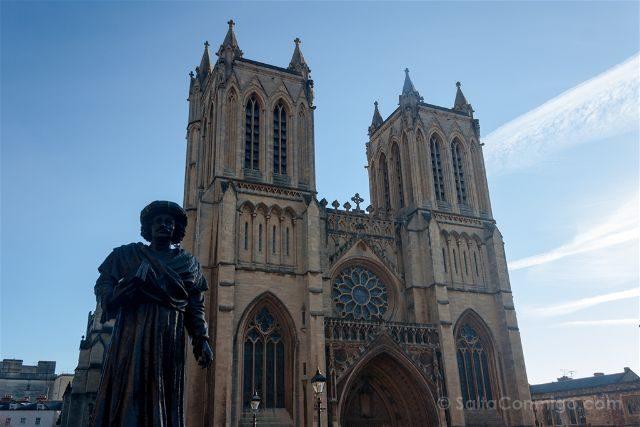Inglaterra Bristol Catedral Fachada