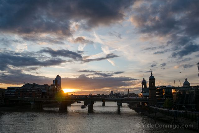 Inglaterra Londres London Bridge Atardecer