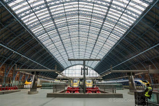 Inglaterra Londres St Pancras Estacion Tren