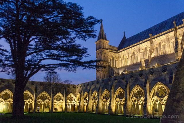 Inglaterra Salisbury Catedral Exterior Claustro