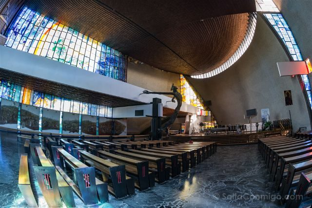 Polonia Cracovia Nowa Huta Iglesia Nuestra Senora Reina