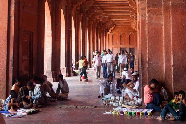 India Fatehpur Sikri Mezquita Jama Masjid Gente